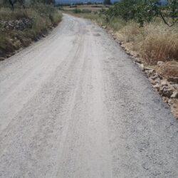 Puesta a punto en caminos rurales de Higuera la Real gracias al parque de maquinaria de la Mancomunidad