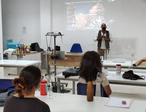 El bailaor Paco Mora participa como ponente en el curso de promoción e intervención socioeducativa con personas con discapacidad